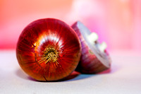 "Close-Up, ""Colour Image"", ""Cross Section"", Cutting, Food, Freshness, Half, ""Half Full"", ""Healthy Eating"", Horizontal, ""No People"", Onion, Organic, Photography, ""Preparing Food"", Purple, ""Raw Food"", ""R"